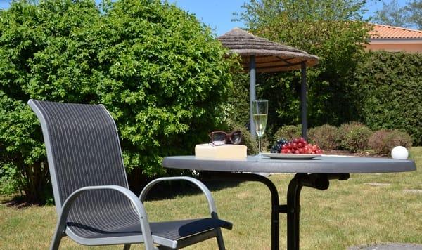 Gartenbereich mit Grillpavillon