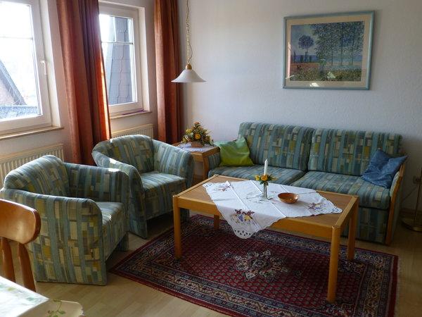 Wohnzimmersitzecke,  mit Schlafcouch, einzeln ausziehbar.