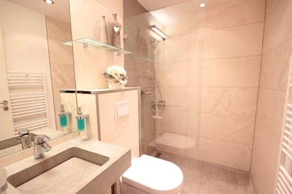Badezimmer mit Du / WC