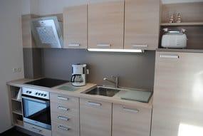 Küchenzeile mit Fenster