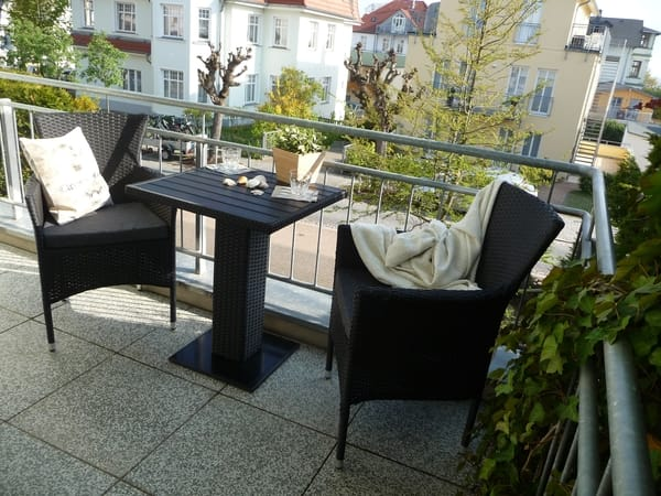 Balkon mit kleinem Ostseeblick