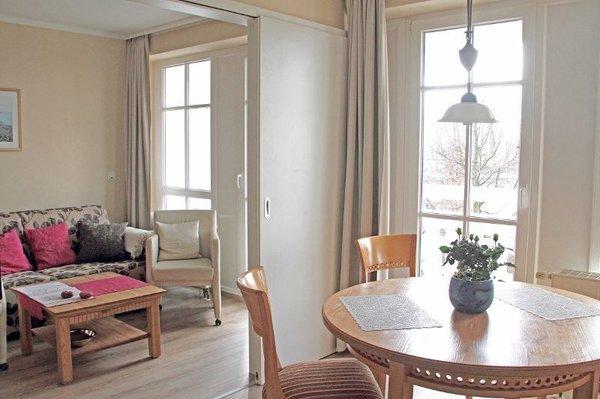 Wohnküche, Durchgang zum Wohnzimmer