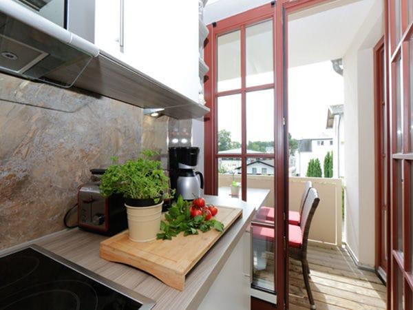 Küche / Balkon
