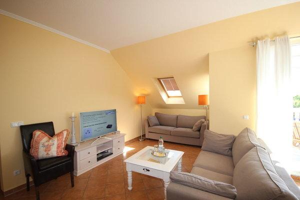 Wohnbereich mit TV und Radio/CD-Player