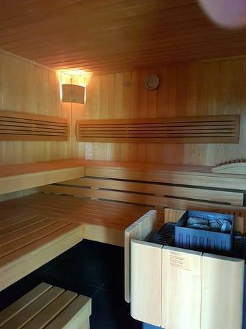 Sauna-sowie Infrarotkabine im Nebengebäude