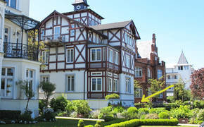 Der Pfeil weist auf Wohnung 1 und die Terrasse im Erdgeschoß.