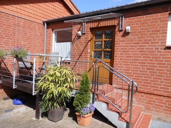 SW-Balkon vor Haustür