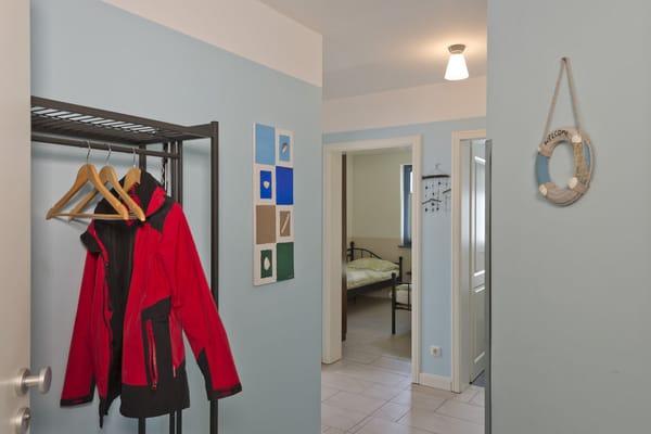 Großzügiger Eingangsbereich mit großer Garderobe