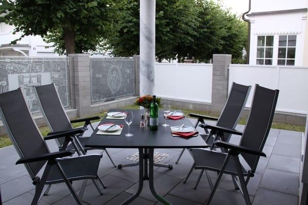 Terrasse mit Rundum-Sichtschutz