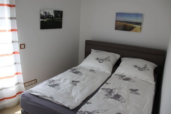 2. Schlafzimmer (mit Flach-TV, der nicht zu sehen ist)