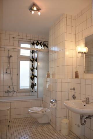 das große Tageslicht - Badezimmer