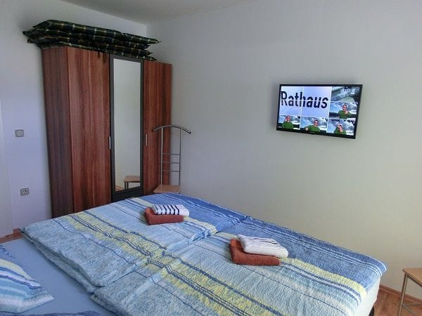 Fernsehen im Bett