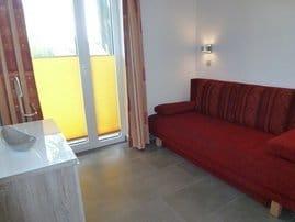 kleines Schlafzimmer mit Schlafcouch (1,60m breit)