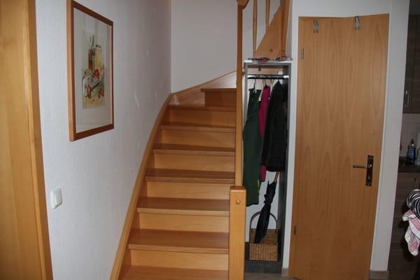 Treppenaufgang und Abstellraum
