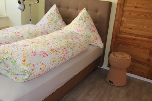 Schlafzimmer im Erdgeschoss -  neu Boxspringbett