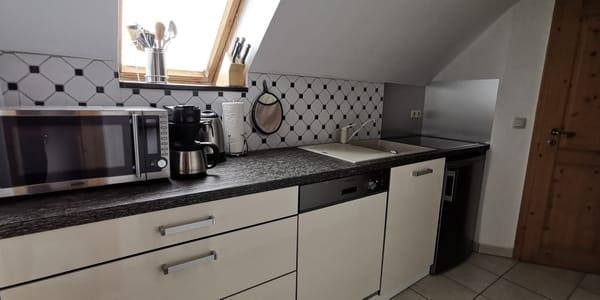funktionale Einbauküche mit guter Ausstattung