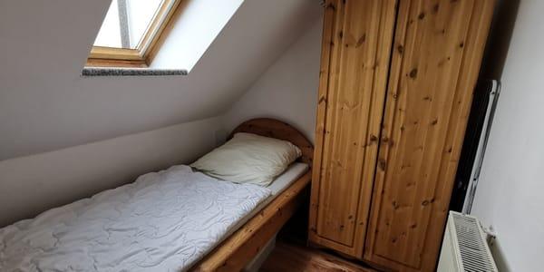 Einzelbett (90x200) im Gästezimmer