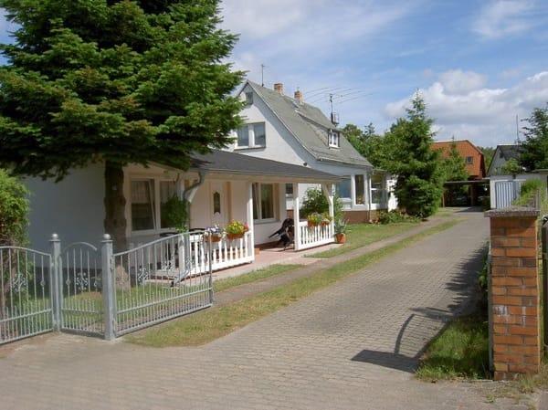 Straßenansicht Ferienhaus