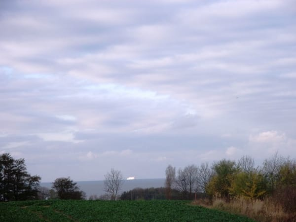Meerblick über die Felder bis Fehmarn