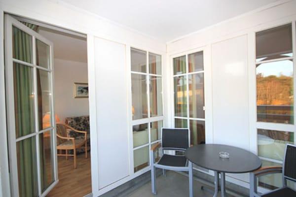 Die Wohnung befindet sich im 2. Obergeschoss und verfügt über einen Balkon in südostlicher Richtung.