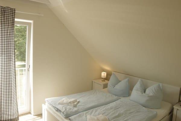 Schlafzimmer No. 2 mit Blick in die Natur