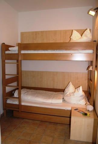 Schlafen Kinder (Hochbett)