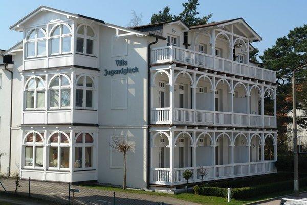 die Villa im typischen Bäderstil wurde bereits 1920 erstmalig erbaut und 1999 umfassend saniert
