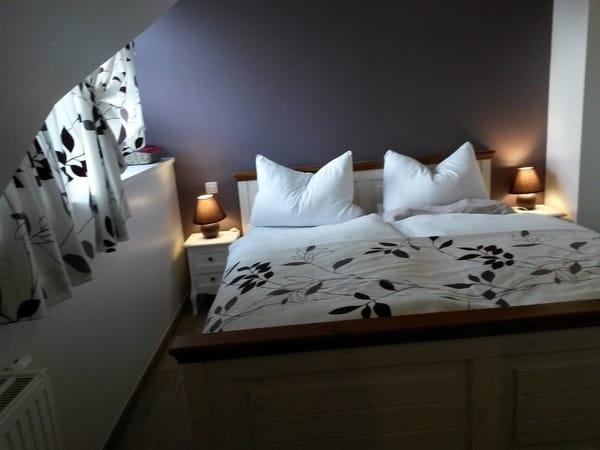 Schlafzimmer mit Dachgaube