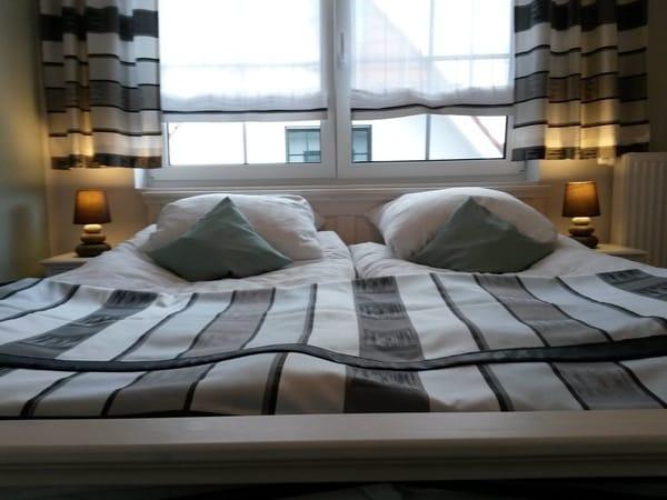 Schlafzimmer Giebelseite