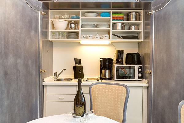 Ein Blick in die hochwertige Schrankküche (Beispielfoto aus Wohnung 4).