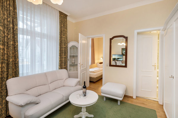 Hier der Blick vom Wohnzimmer Richtung Schlafzimmer und Bad.