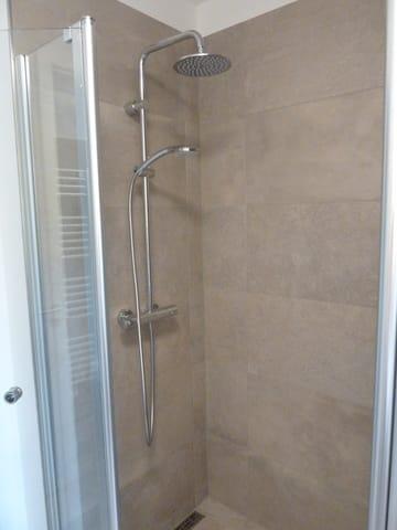 Badezimmer Wohnung 4