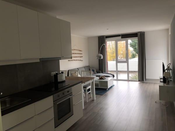 Küche und Wohnzimmer Wohnung 4