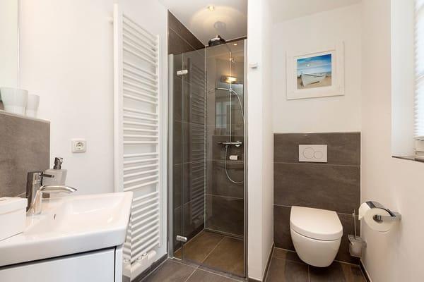 1. Bad mit Dusche im EG