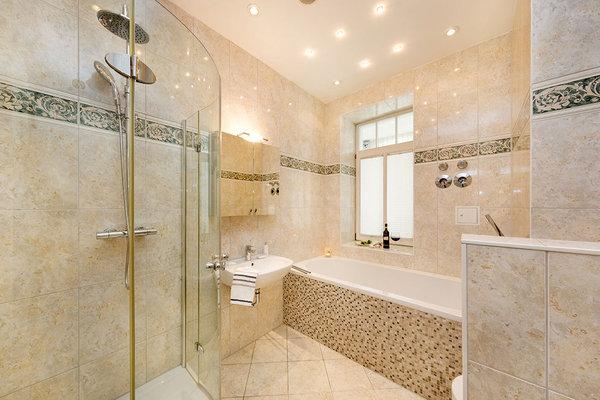 Bild mit Dusche