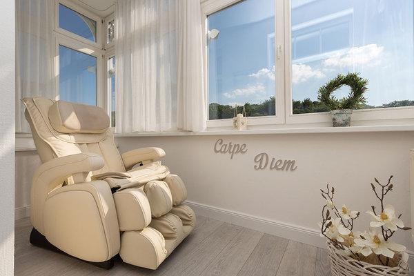 Luxus Massagesessel auf Süd-Loggia