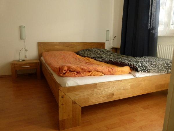 Schlafzimmer, Doppelbett 1,60 m breit