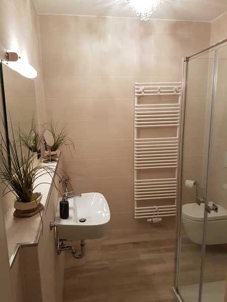 Bad mit bodentiefer Dusche