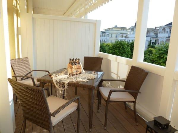 Gemütlicher Balkon mit  Nachmittags- und Abendsonne