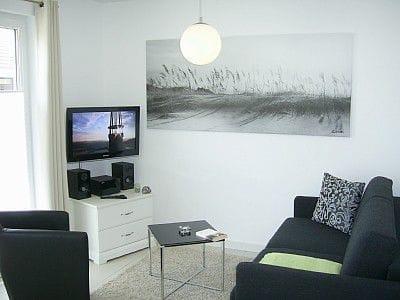Wohnraum mit Schlafcouch, LCD-TV, W-LAN, CD, DVD