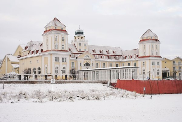 Binzer Kurhaus im Winter