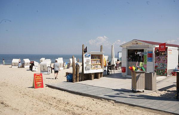 von Mai bis September steht Ihnen zur FeWo ein Strandkorb zur Verfügung