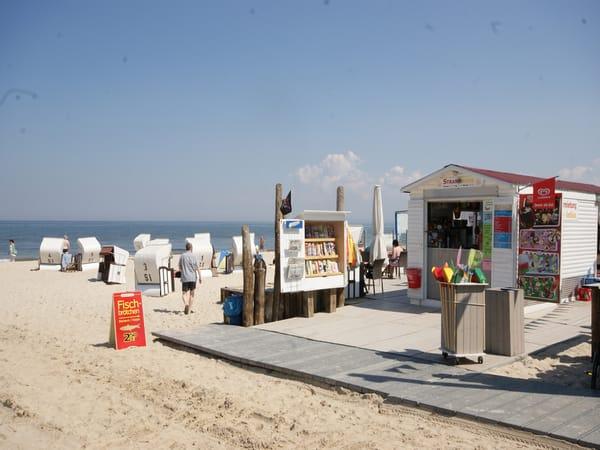 von Mai bis September steht den Gästen ein Strandkorb kostenlos zur Verfügung