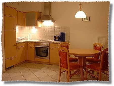 großzügiger Küchen,- Essbereich