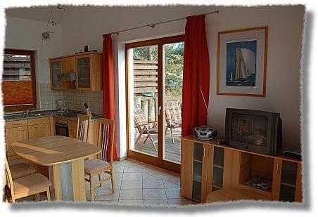 Wohn,- Küchenbereich offen mit TV, Radio ind W-lan Zugang