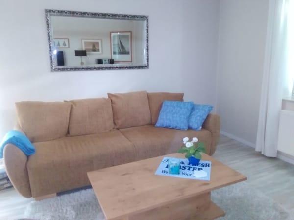 Die kuschelige Couch im Wohnzimmer