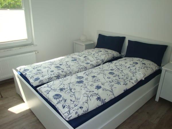 Das schöne Schlafzimmer mit Doppelbett 160x200cm
