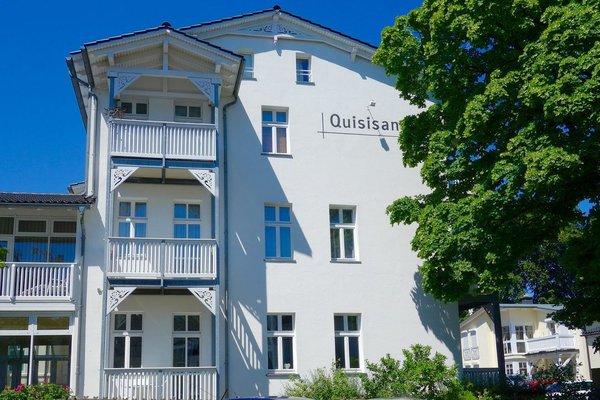 Haus Quisisana in Rügener Bäderarchitektur , Links unten einer unserer zwei Balkone