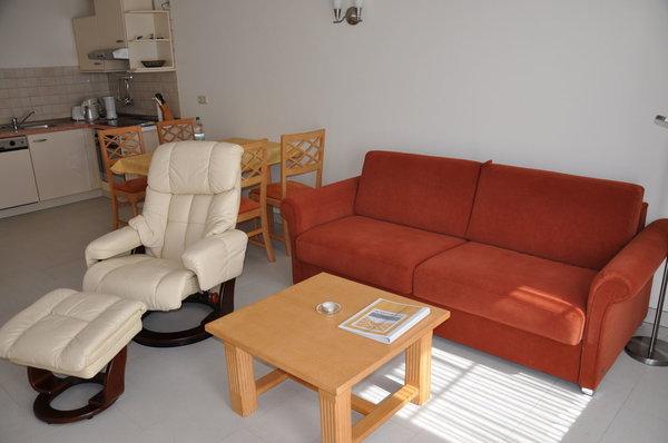 Wohnzimmer mit angegliederter Essecke