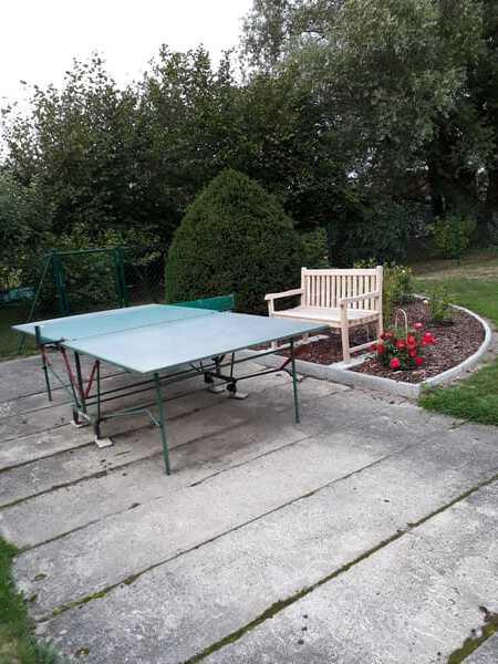 Tischtennisplatte für Freizeit im Garten